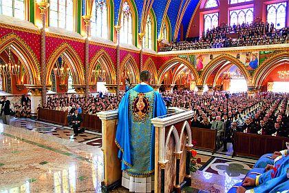 """""""Tudo quanto na Igreja há de santidade, de autoridade, de virtude sobrenatural está subordinado, condicionado, dependente da união à Cátedra de Pedro"""""""